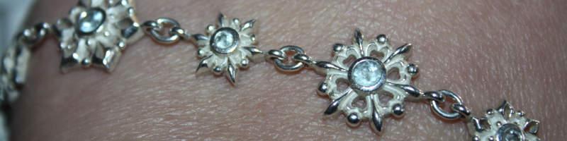 Details Heartbreaker Snowflake Armband