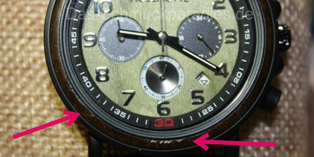 Uhrengehäuse aus Holz beschädigt